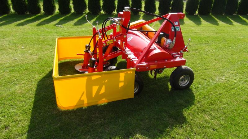 AGRO-MAX Carrot top mower with greens crusher/Tondeuse pour fanes