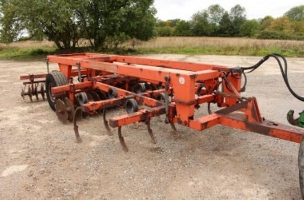 TASKERS 3M TRAILED TILLAGE TRAIN