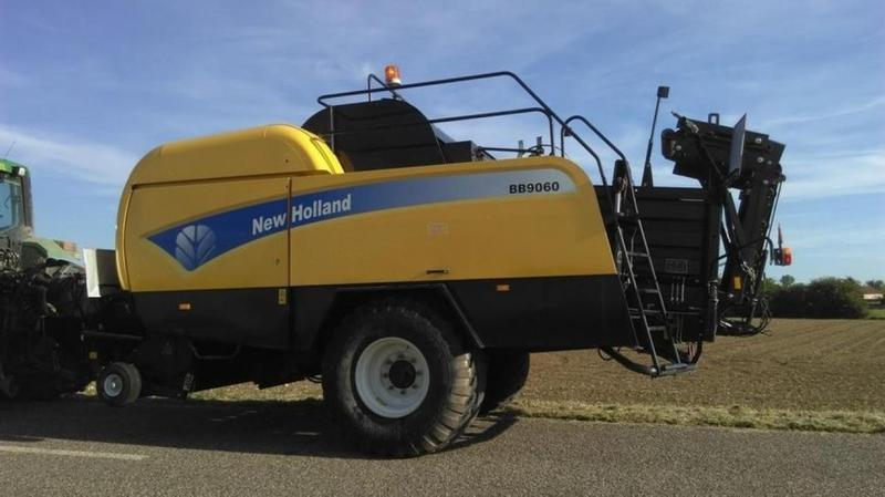 New Holland BB 9060