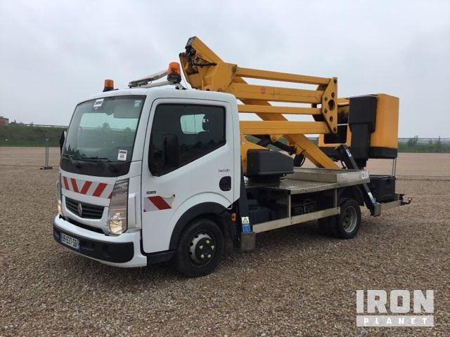 Renault Maxity w/Sequani ZED17VTR Boom